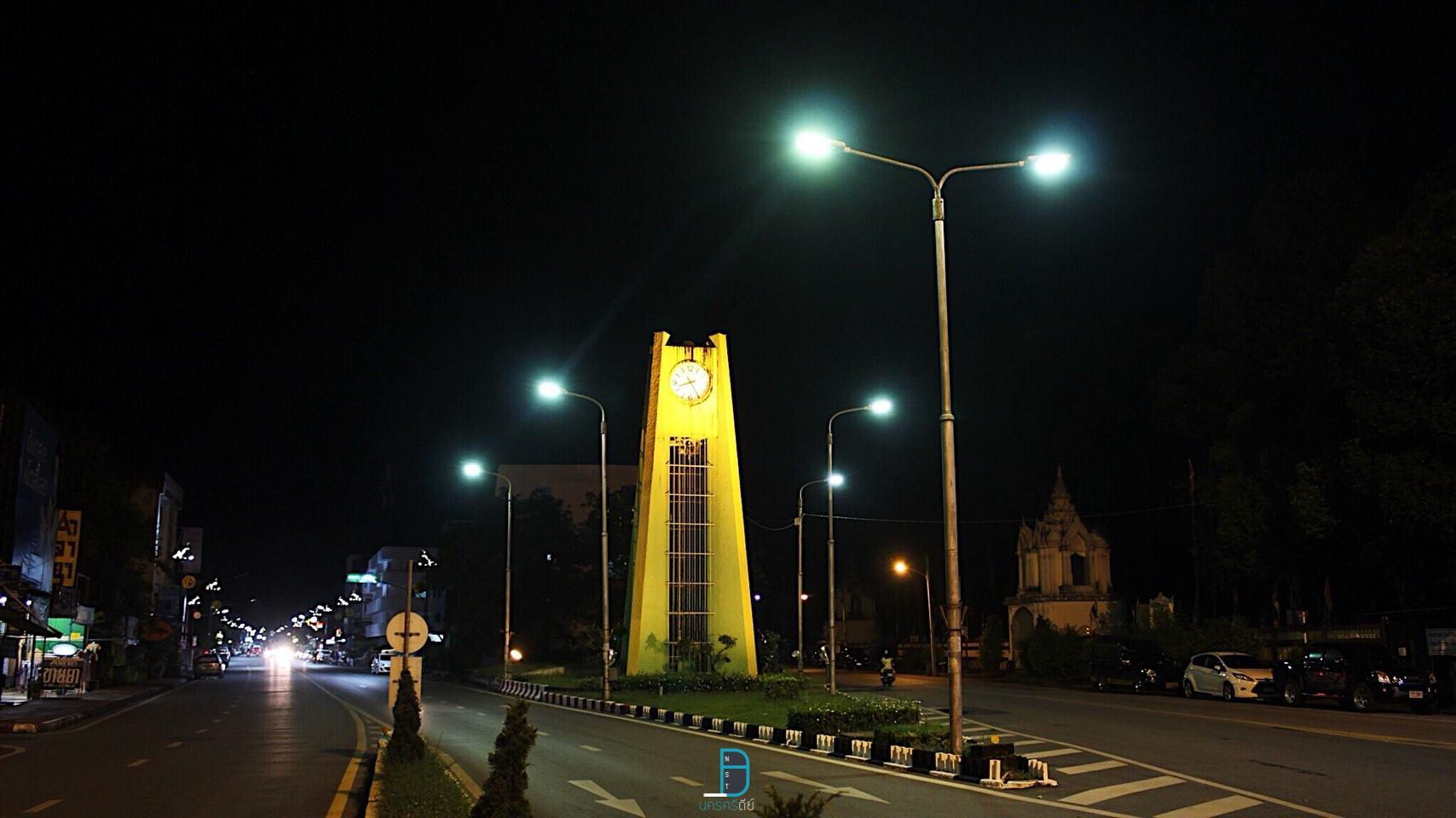 หอนาฬิกาสวยๆ-ประจำเมืองนคร ที่กิน,ที่เที่ยว,นครศรีธรรมราช,เมืองคอน,2018,BunprasopGardenHotel,นครศรี,อำเภอเมือง