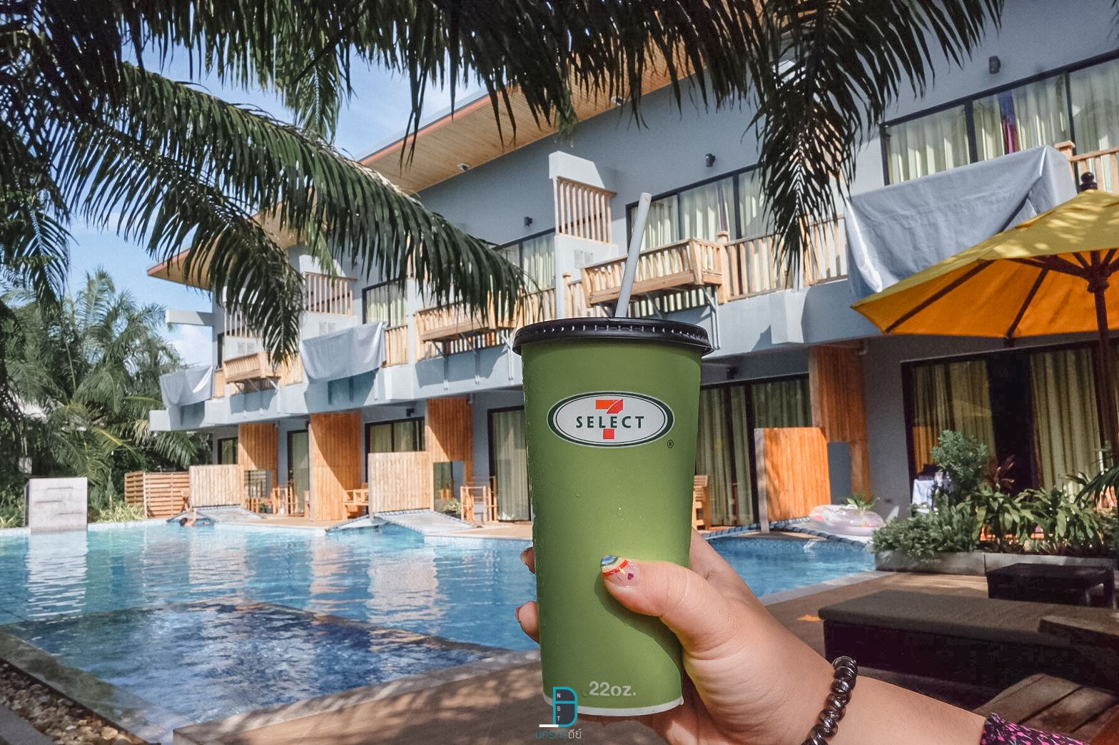 บรรยากาศชิวๆ-หยิบชาเย็น-7-11-มาทานต่อออ-อร่อยฟินนน  ขนอม,เที่ยวไหนดี,จุดเช็คอิน,ของกิน,โรงแรม
