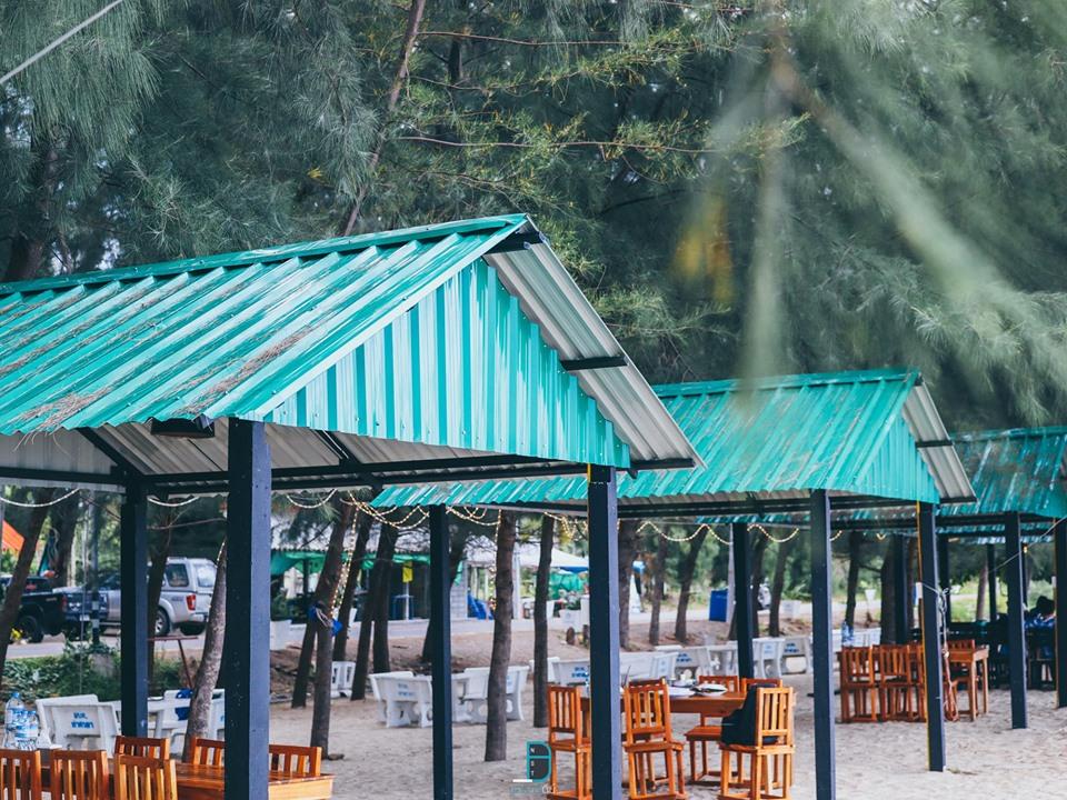 ที่นั่งชิวๆริมหาดกว้างมากกกก  ท่าศาลา,เที่ยวไหนดี,ของกิน,เที่ยว,จุดเช็คอิน,ร้านซีฟู๊ด