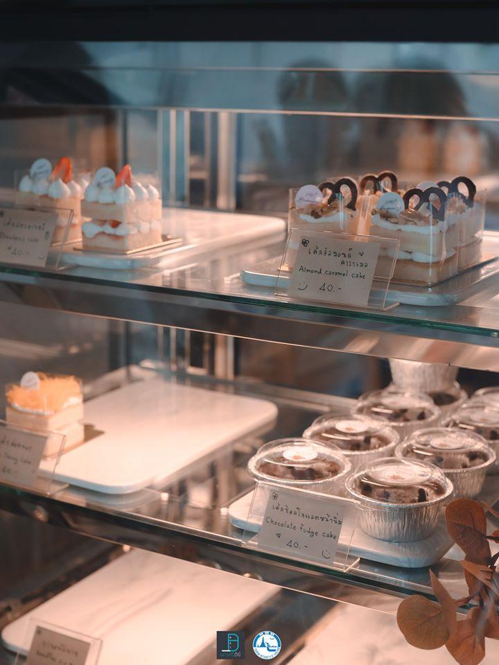 เค้กตั้ลล้าคคค-ป้ายหน้าเค้กเป็นลายมือน่ารักๆด้วย-ชวนน่าหยิบบ คาเฟ่,สตูล,เด็ด,จุดเช็คอิน,อร่อย,ร้านอาหาร,จุดถ่ายรูป,สถานที่ท่องเที่ยว