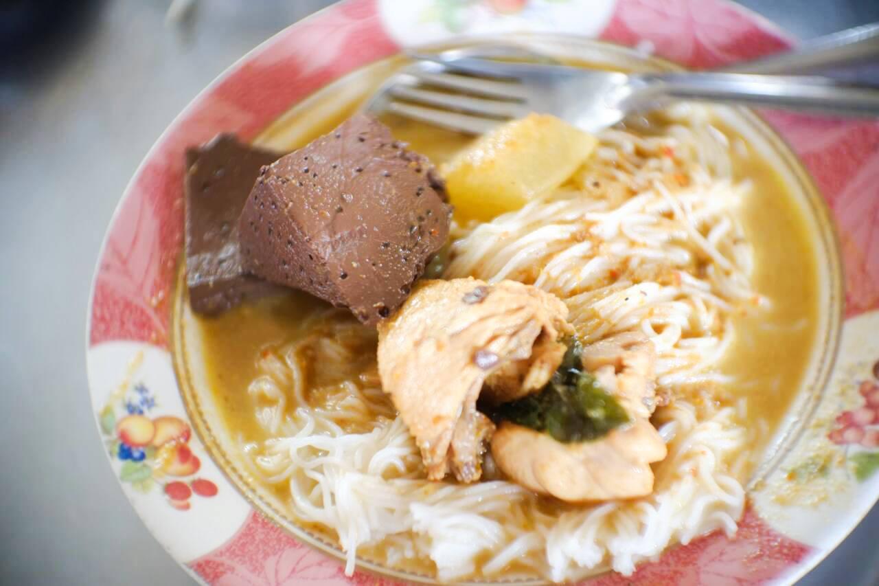 4.-จัดไปกับมาเมืองคอน-ต้องกินขนมจีน-ขอแนะนำ-ร้านขนมจีนป้าเหนียง-ที่สุดแห่งขนมจีนแล้วครับ-แอดมาทีนึงกินขนมจีนแกงเขียวหวานจัดหนัก-2-3-จานกันเลยทีเดียวครับ ส่วนร้านขนมจีนอื่นๆก็อร่อยนะครับ-รีวิวตัวเต็ม-https://nakhonsidee.com/show/read/1/68  อำเภอเมือง,ของกิน,ร้านอร่อย,ที่พัก,นครศรี,โรงแรม,รีสอร์ท,ร้านอาหาร