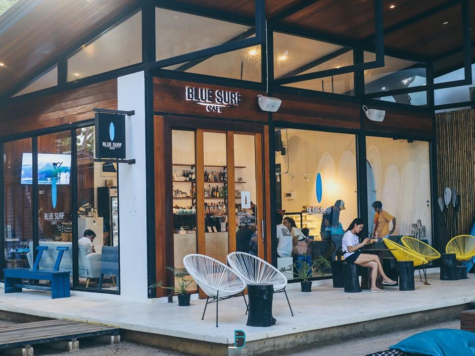 เดินทะลุมาจนถึงคาเฟ่ของโรงแรม-ที่นี่ชื่อว่า-Blue-Surf-คาเฟ่-ตกแต่งสวยๆฟินๆ  สิชล,เที่ยวไหนดี,สถานที่ท่องเที่ยว,ของกิน,จุดเช็คอิน,ห้องพัก,โรงแรม,รีสอร์ท