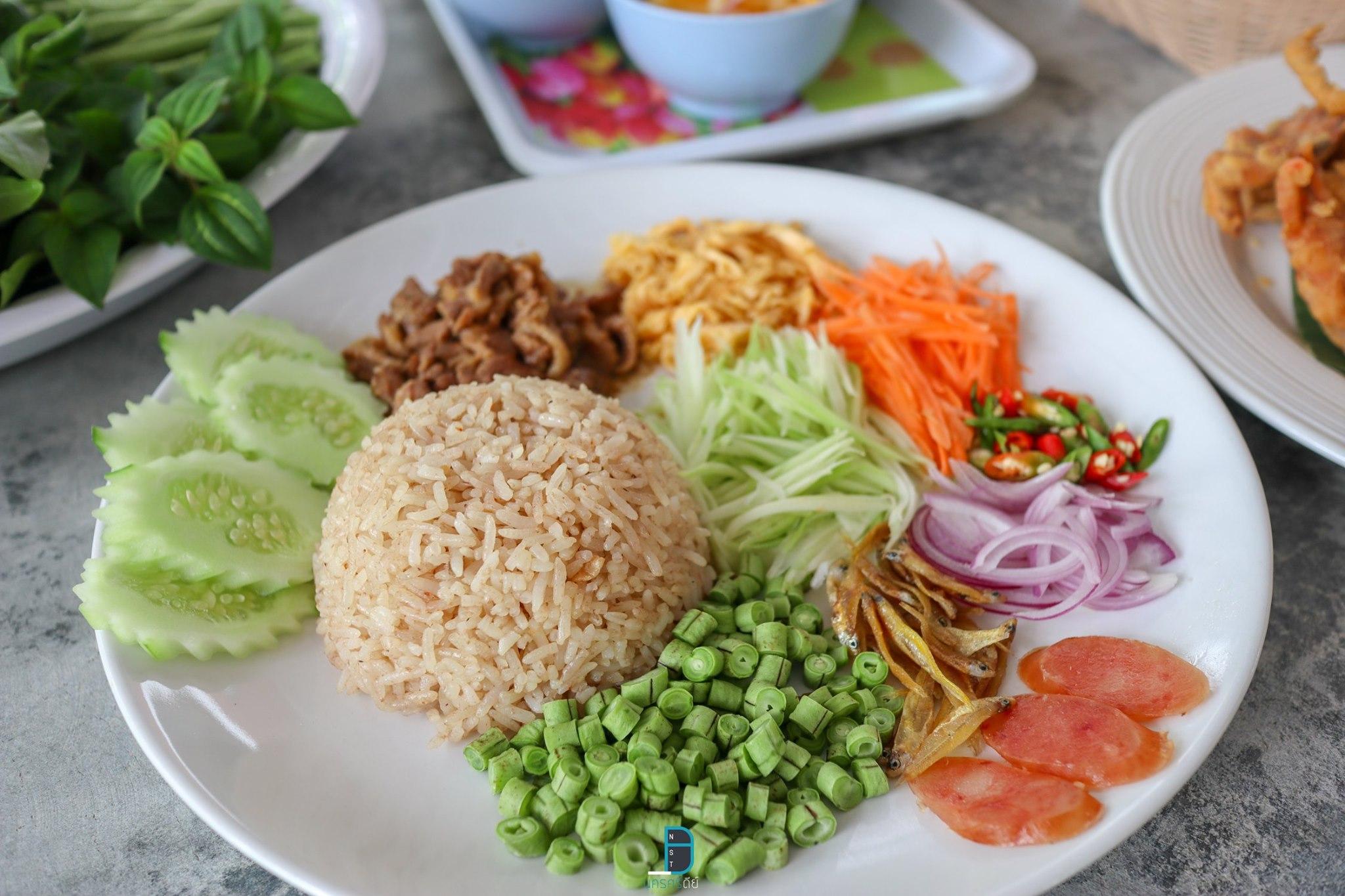 เมนูอื่นมากินกับขนมจีน--อ้วนแน่นอน-555-  ท่าศาลา,เที่ยวไหนดี,ของกิน,เที่ยว,จุดเช็คอิน,ร้านซีฟู๊ด