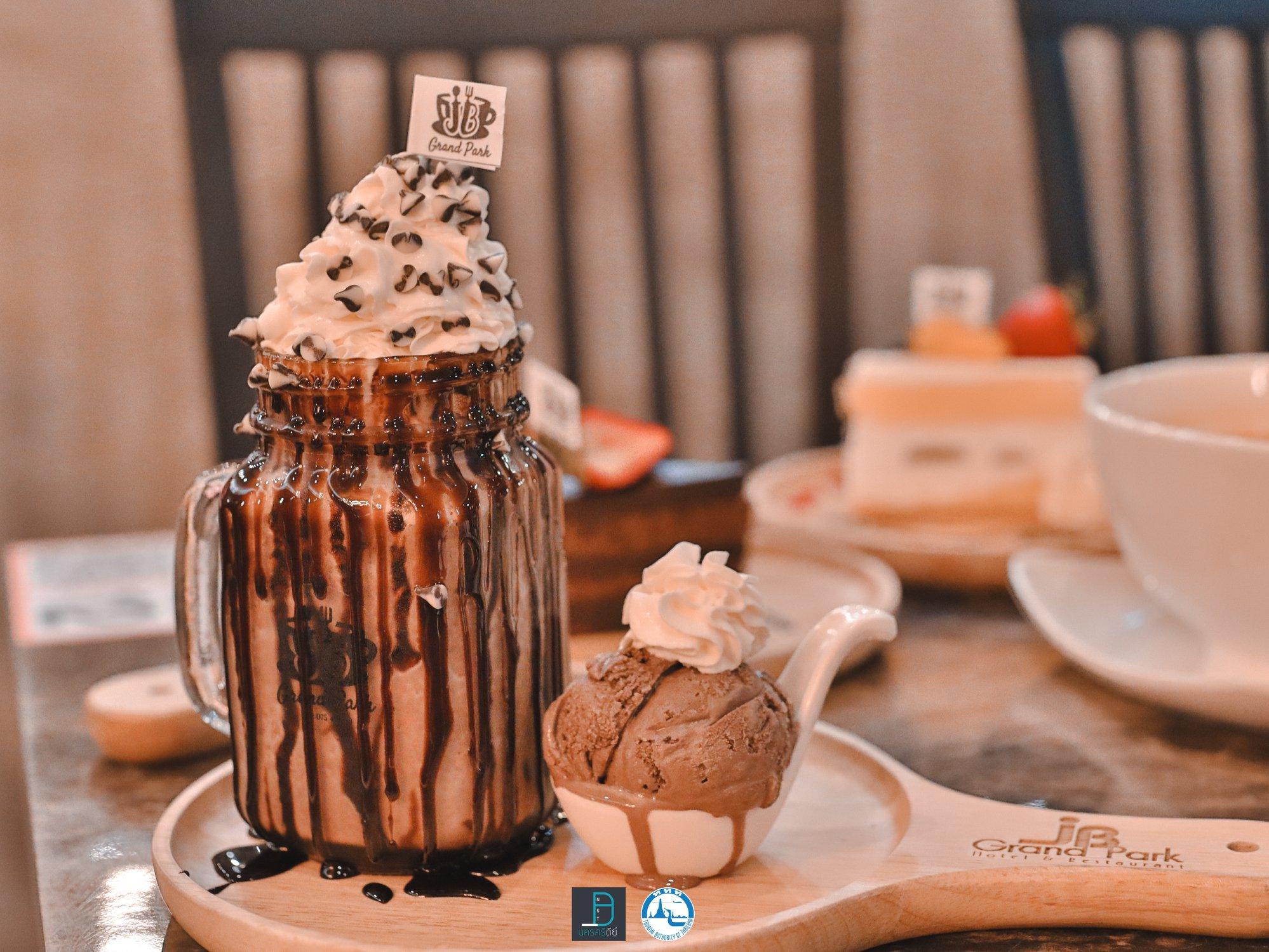 16.-JB-Grand-Park-ร้านนี้สั่งแล้วจัดเต็มอร่อยเข้ม-แถมไอติมด้วยยย โกโก้,นครศรีธรรมราช,อร่อย,ergo,coffee,ของกิน,เครื่องดื่ม,คาเฟ่