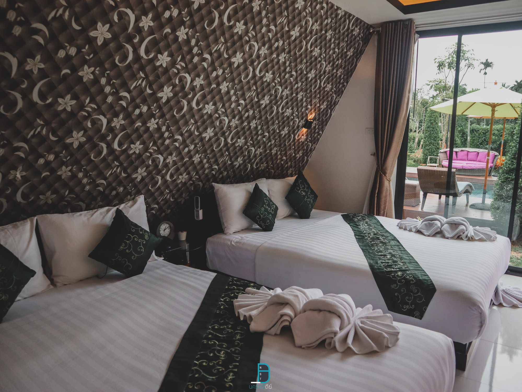 ห้องเตียงใหญ่-2-เตียง-เหมาะสำหรับ-4-ท่าน-จะมากับกลุ่มเพื่อนหรือครอบครัวก็ฟินน สุภานันท์,รีสอร์ท,ที่พัก,วิวหลักล้าน,คาเฟ่,โรงแรมมีสระว่ายน้ำ,สวยงาม,poolvilla